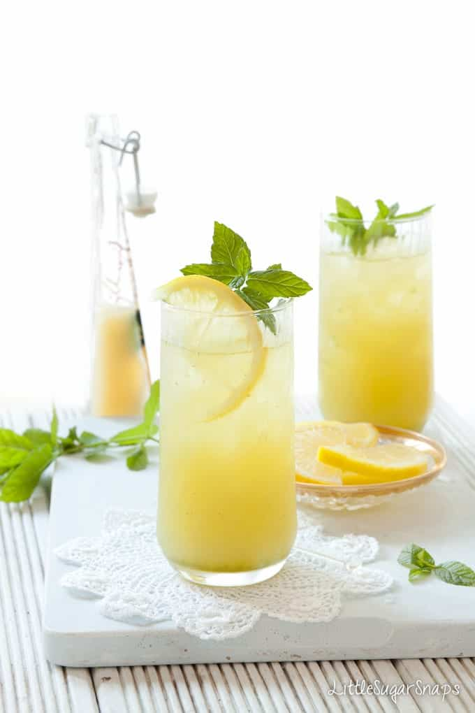 apple lemon mint cooler in a glass