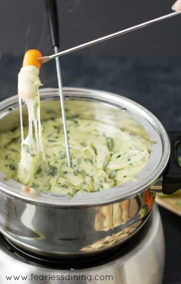 gluten-free-spinach-and-leek-fondue-carrot-600x942