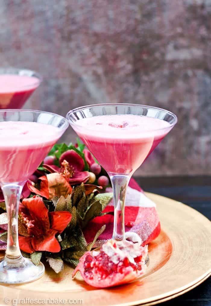 pomegranate-martini-vitamix-christmas-cocktail-6