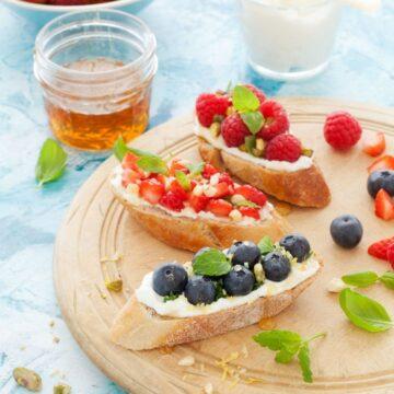 Mixed Berry Toasts