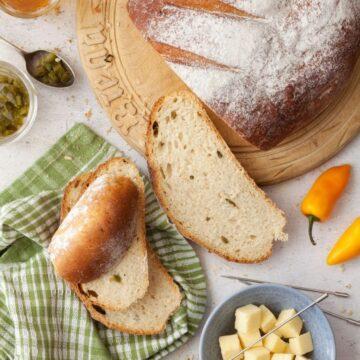 Cheesy Jalapeño Beer Bread