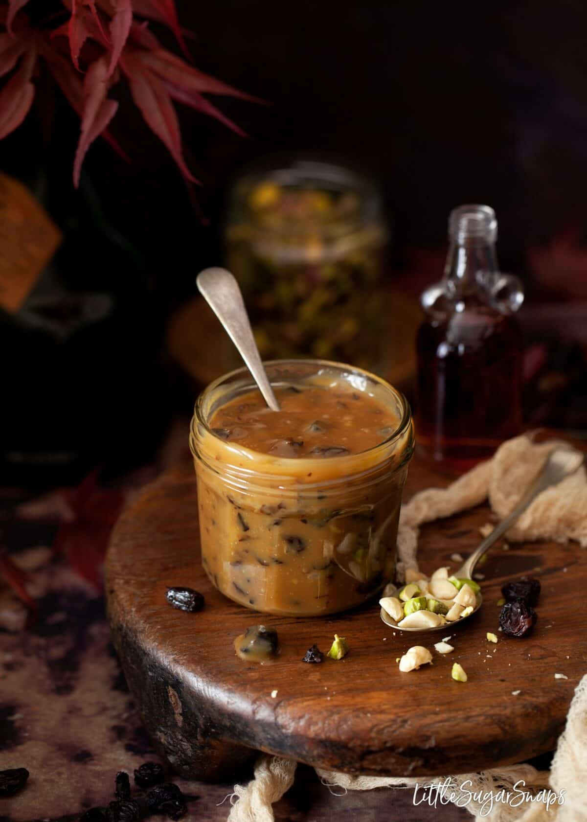rum & raisin caramel sauce with mixed nuts