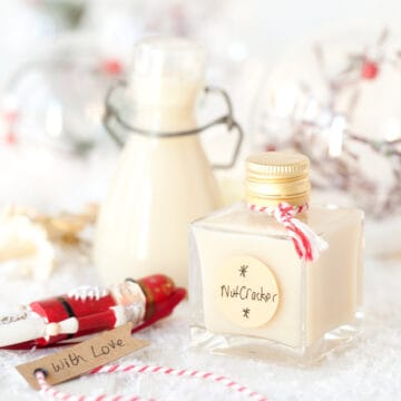 Christmas creamy cocktail in small bottles
