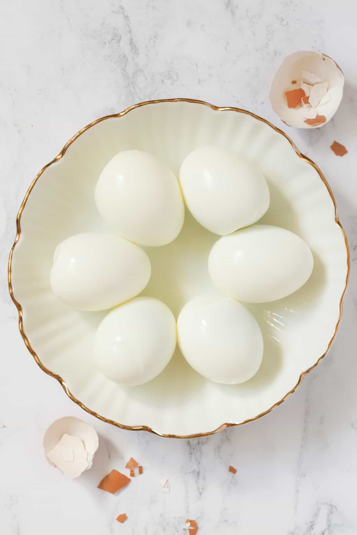 Six hard boiled eggs without their shells