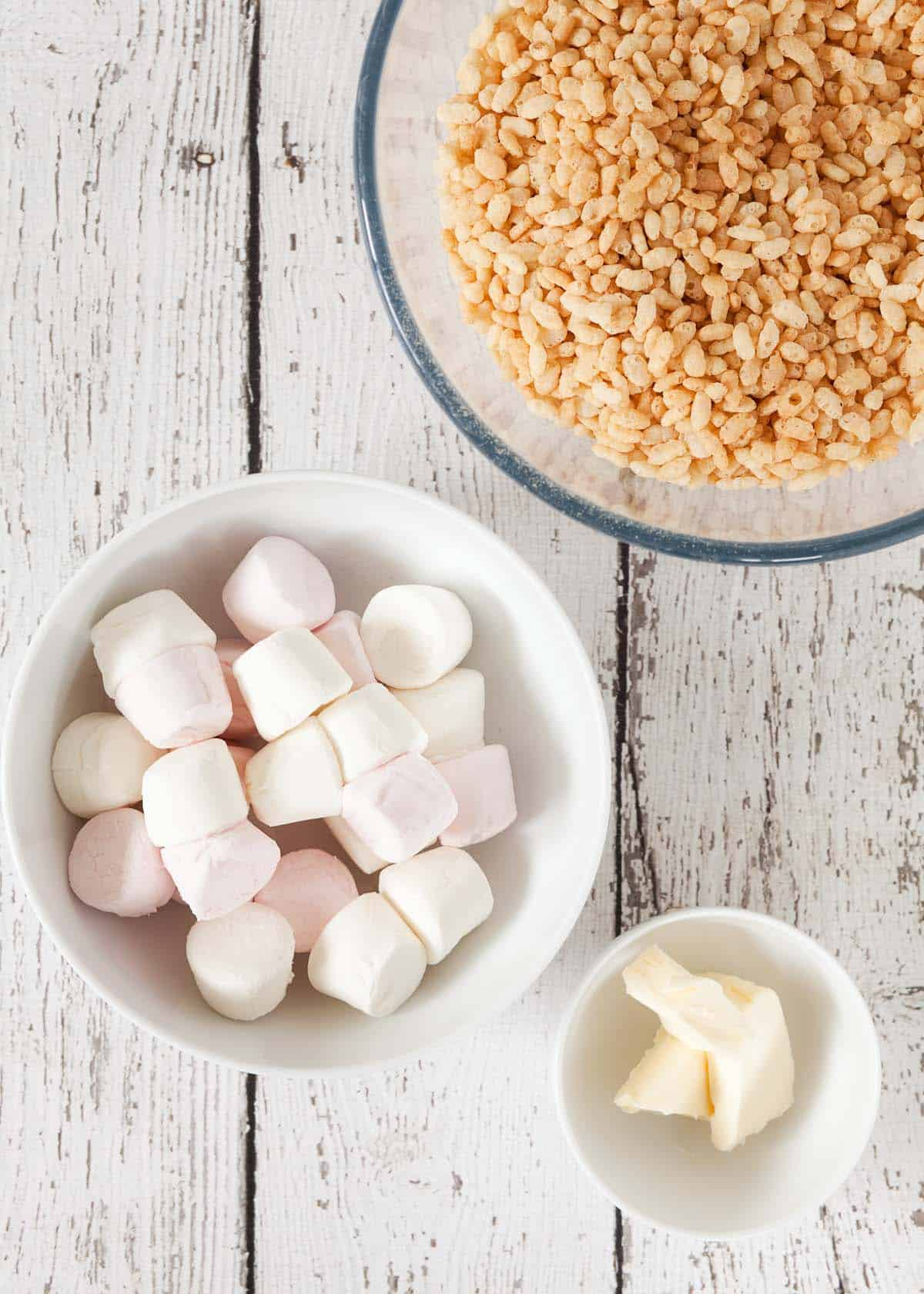 ingredients in bowls - marshmallows, rice krispies & butter