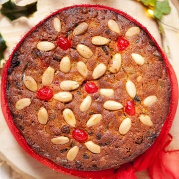 Marzipan cake - A last minute Christmas cake - featured image